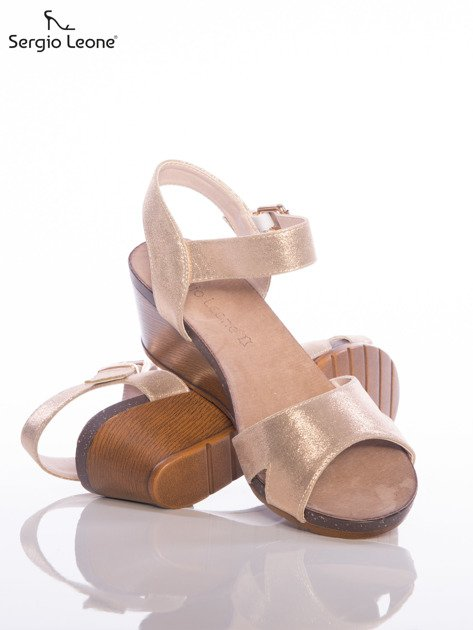 Złote sandały Sergio Leone na koturnach                                  zdj.                                  4