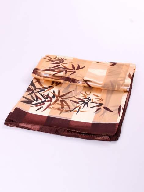 Złoto-brązowa chusta apaszka z nadrukiem roślinnym                                  zdj.                                  3