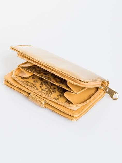 Złoty portfel efekt skóry saffiano                                  zdj.                                  4