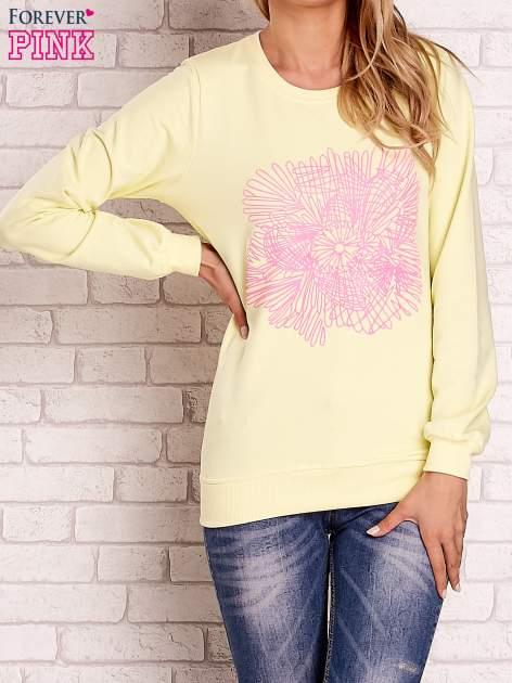 Żółta bluza z kolorowym nadrukiem                                  zdj.                                  1