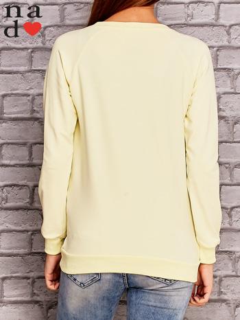 Żółta bluza z nadrukiem moro                                  zdj.                                  2