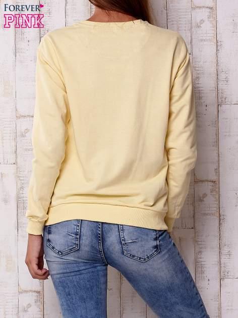 Żółta bluza z napisem I HAVE NOTHING TO WEAR                              zdj.                              2