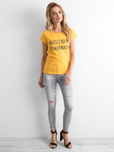 Żółta damska koszulka z napisem                              zdj.                              4