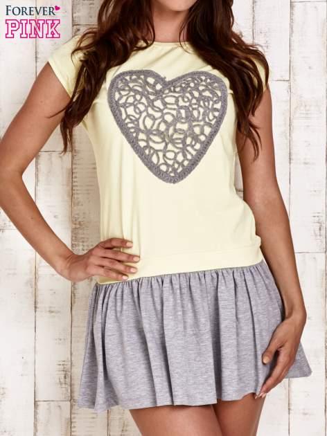 Żółta dresowa sukienka tenisowa z sercem                                  zdj.                                  1