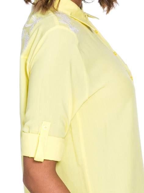 Żółta koszula z haftem na ramionach i plecach                                  zdj.                                  6