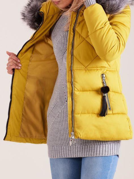 Żółta kurtka zimowa z futerkiem                              zdj.                              7