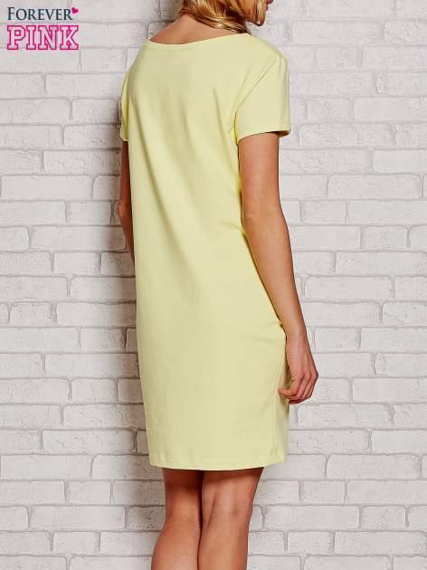 Żółta sukienka dresowa z kieszeniami                                  zdj.                                  4