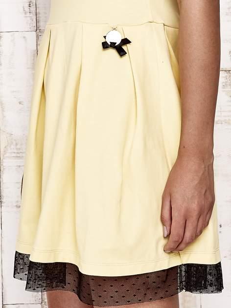 Żółta sukienka dresowa z tiulem w groszki                                  zdj.                                  5