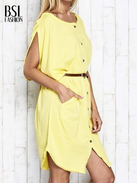 Żółta sukienka oversize z guzikami                                  zdj.                                  4