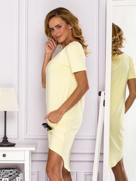 Żółta sukienka z ozdobną kieszonką                              zdj.                              5
