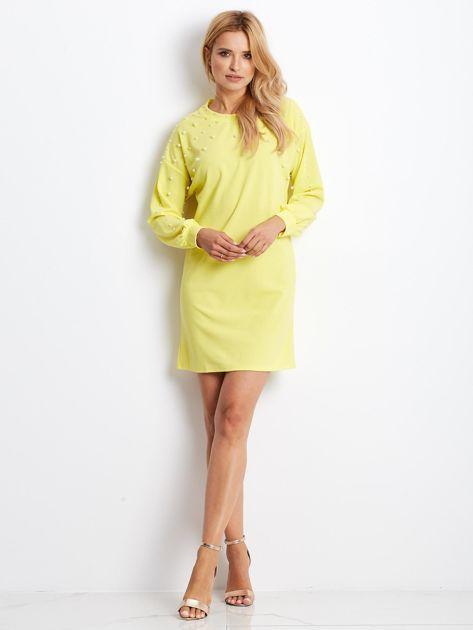 Żółta sukienka z perełkami                               zdj.                              4