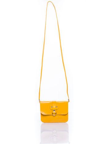 Żółta torebka listonoszka z klapką                                  zdj.                                  4