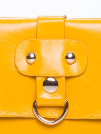 Żółta torebka listonoszka z klapką                                  zdj.                                  6