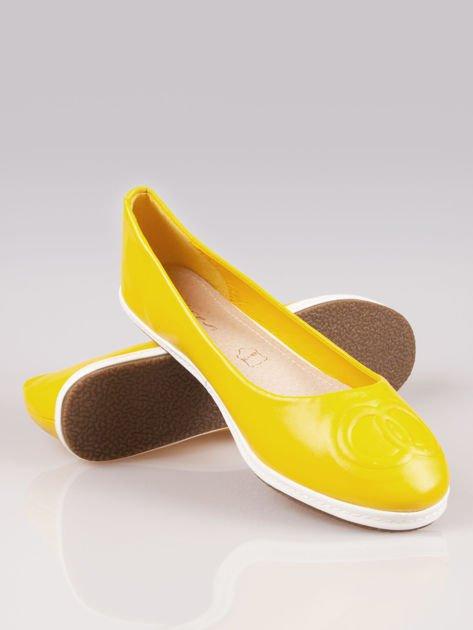 Żółte baleriny Sunny ze smukłym noskiem na kontrastowej podeszwie                                  zdj.                                  4