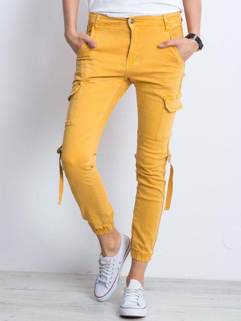 Żółte jeansy Remember