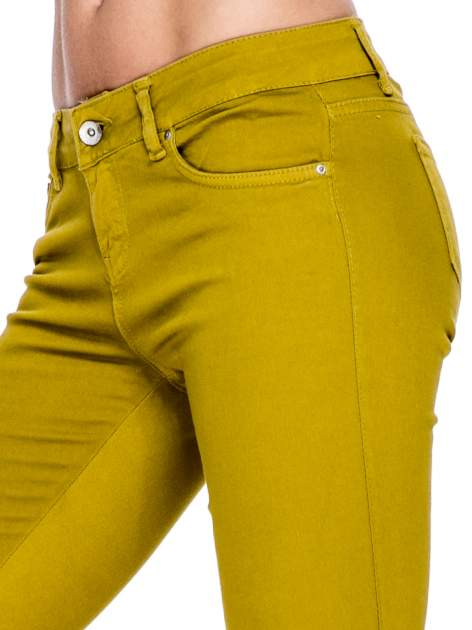 Żółtobrązowe spodnie typu skinny z elastycznego materiału                                  zdj.                                  5