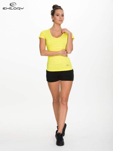 Żółty damski t-shirt sportowy w paski                                  zdj.                                  2