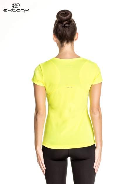 Żółty damski t-shirt sportowy z kieszonką                                  zdj.                                  4