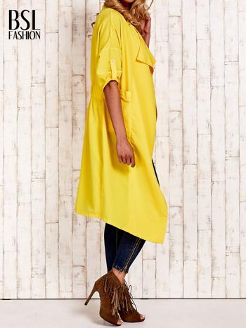 Żółty płaszcz o szlafrokowym kroju                                  zdj.                                  3