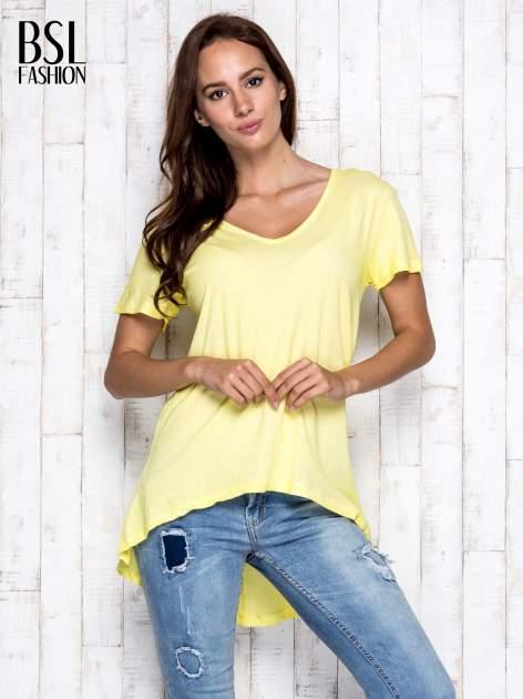 Żółty t-shirt acid wash z asymetrycznym dołem                                  zdj.                                  5