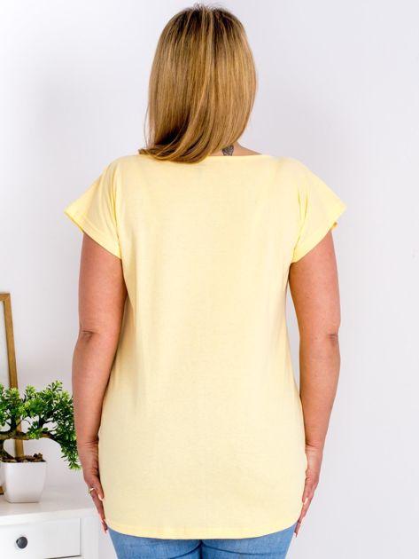 Żółty t-shirt z kwiatowym printem PLUS SIZE                              zdj.                              2