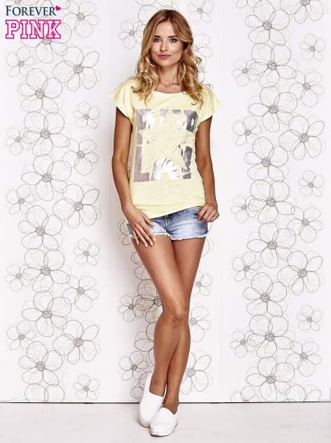 Żółty t-shirt z motywem gwiazdy i dżetami                                  zdj.                                  2