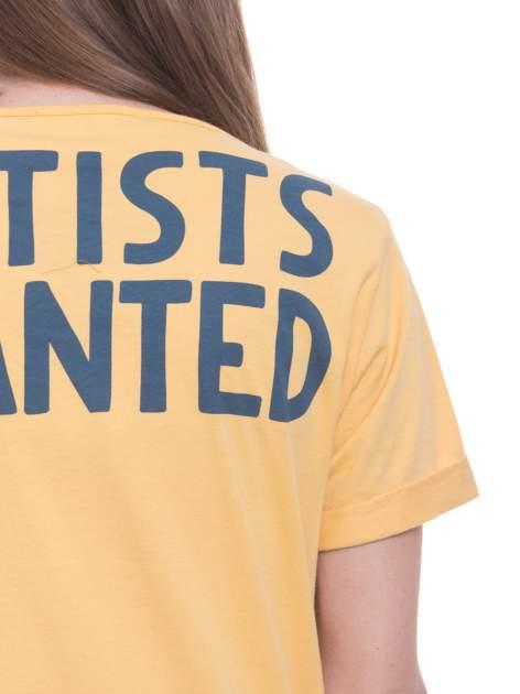 Żółty t-shirt z napisem ARTIST WANTED na plecach                                  zdj.                                  6