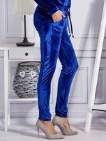 Aksamitne spodnie dresowe niebieskie                                  zdj.                                  5