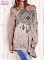 Beżowa dekatyzowana bluzka oversize z łapaczem snów                                                                          zdj.                                                                         3