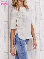 Beżowa fakturowana bluzka z rękawem 3/4                                  zdj.                                  3