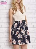 Beżowa sukienka z kwiatowym dołem i z suwakiem z tyłu                                                                          zdj.                                                                         3