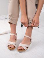 Beżowe sandały BELLO STAR na podwyższeniu z paskami na krzyż                                  zdj.                                  7