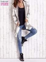 Beżowy sweter w kratę z kieszeniami                                                                          zdj.                                                                         8