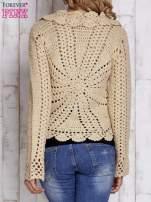 Beżowy sweter z wiązaniem                                  zdj.                                  4