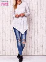 Biała asymetryczna bluzka z ciemniejszą nitką                                                                          zdj.                                                                         2