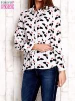 Biała koszula z kobiecym nadrukiem                                  zdj.                                  1