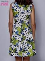 Biała rozkloszowana sukienka w zielone kwiaty                                  zdj.                                  4