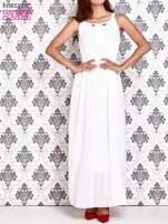 Biała sukienka maxi z wiązaniem przy dekolcie