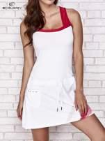 Biała sukienka sportowa z czerwonymi wstawkami