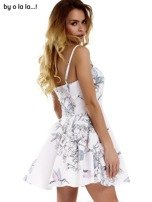 Biała sukienka w malarskie desenie BY O LA LA                                  zdj.                                  7