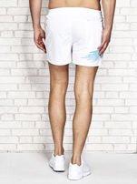 Białe męskie szorty kąpielowe z nadrukiem                                  zdj.                                  3