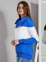 Biało-niebieska modułowa bluza damska z troczkami                                  zdj.                                  3
