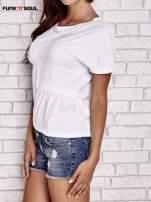 Biały asymetryczny t-shirt z zapięciem na plecach FUNK N SOUL                                  zdj.                                  3