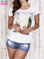 Biały t-shirt damski z napisem CALIFORNICATION                                  zdj.                                  1