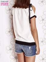 Biały t-shirt z kokardą