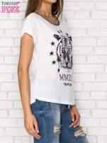 Biały t-shirt z nadrukiem tygrysa i zipem z tyłu                                  zdj.                                  3