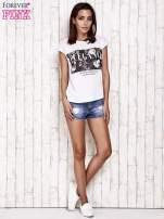 Biały t-shirt z napisem ELEGANCE                                  zdj.                                  2