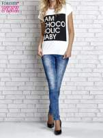 Biały t-shirt z napisem I AM CHOCOHOLIC BABY                                  zdj.                                  6