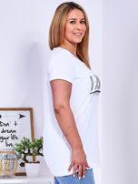 Biały t-shirt z napisem z dżetów PLUS SIZE                                  zdj.                                  3