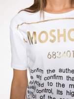 Biały t-shirt z tekstowym nadrukiem i znakami chińskimi                                  zdj.                                  6